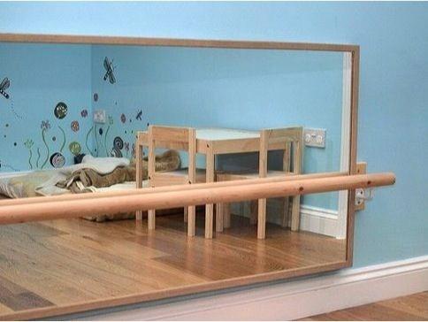 quarto-montessoriano-espelho-acrilico-toca-lola-2