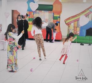 decoracao-festa-infantis-baloes-toca-lola-5-3-300x270