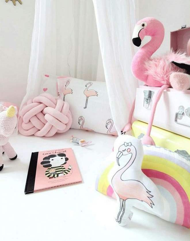 flamingo-pink-millennial-toca-lola-2