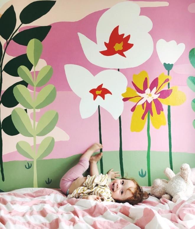 tendencia-decoracao-quarto-menina-flores-gigantes-toca-lola